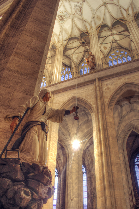Kutna Hora Cathedral interior 4