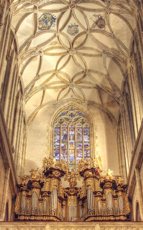 Kutna Hora Cathedral interior 5